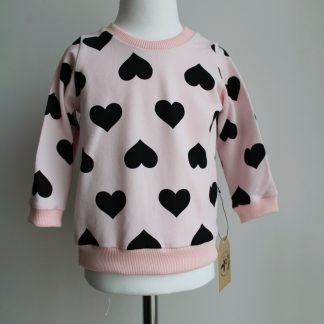 różowa bluza w serca